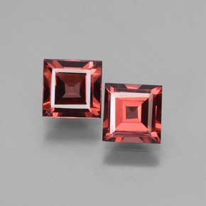 Pinkish Rose Rhodolite Garnet Gem - 0.7ct Square Facet (ID: 431288)