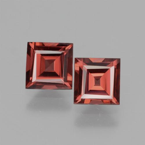 Deep Red Rhodolite Garnet Gem - 0.8ct Square Facet (ID: 431483)