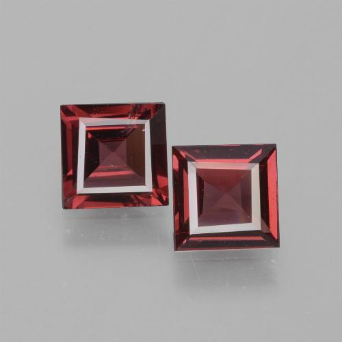 Medium Red Rhodolite Garnet Gem - 0.7ct Square Facet (ID: 431575)
