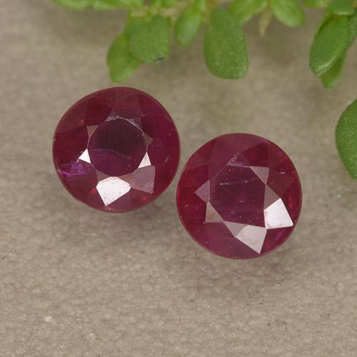 Pinkish Red Ruby Gem - 0.5ct Round Facet (ID: 494971)