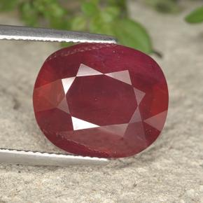 Red Ruby Gem - 14.3ct Oval Facet (ID: 495299)