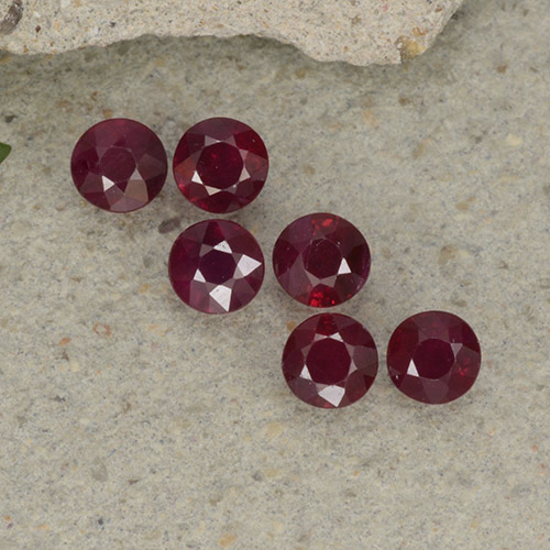 Pinkish Red Ruby Gem - 0.2ct Round Facet (ID: 495668)
