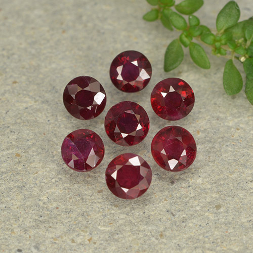 Pinkish Red Ruby Gem - 0.2ct Round Facet (ID: 496000)