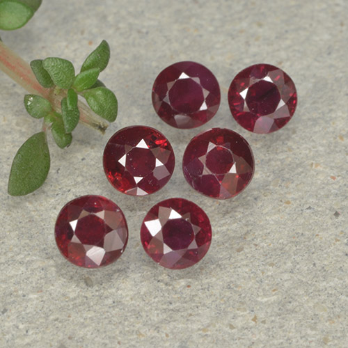 Pinkish Red Ruby Gem - 0.3ct Round Facet (ID: 496179)
