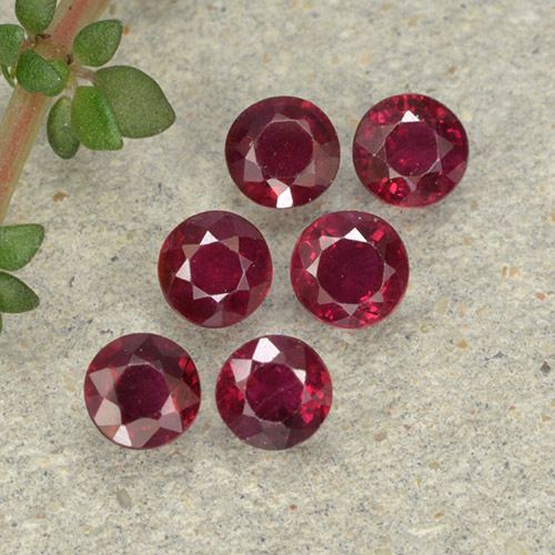 Pinkish Red Ruby Gem - 0.2ct Round Facet (ID: 496228)