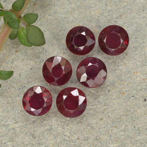Pinkish Red Ruby Gem - 0.2ct Round Facet (ID: 496229)