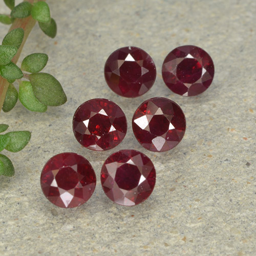 Pinkish Red Ruby Gem - 0.3ct Round Facet (ID: 496232)