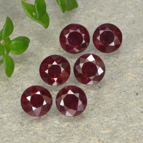0.3ct Round Facet Pinkish Red Ruby Gem (ID: 496233)