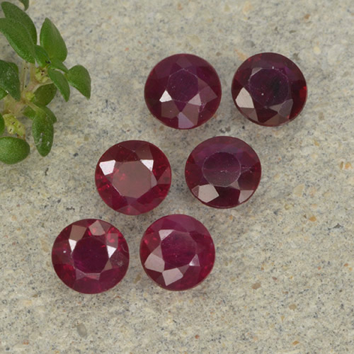 Pinkish Red Ruby Gem - 0.2ct Round Facet (ID: 496236)