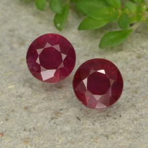 Deep Red Ruby Gem - 0.6ct Round Facet (ID: 496730)