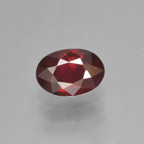 Medium Red Rubino Gem - 0.5ct Ovale sfaccettato (ID: 503383)