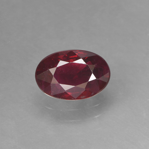 Wine Red Rubino Gem - 0.6ct Ovale sfaccettato (ID: 503536)