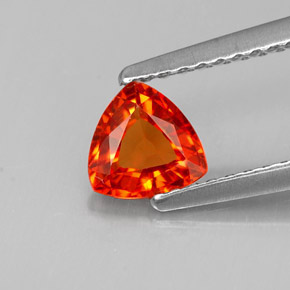 Buy 0.65 ct Mandarin Orange Sapphire 5.51 mm x 5.5 mm from GemSelect (Product ID: 263936)