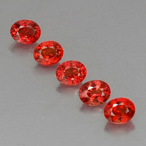 Bright Red Zafiro Gema - 0.4ct Forma ovalada (ID: 325071)