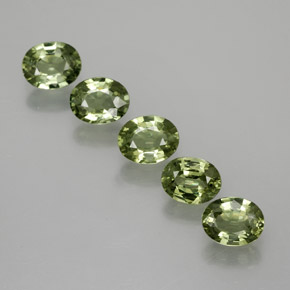 Green Sapphire Gem - 0.4ct Oval Facet (ID: 368904)