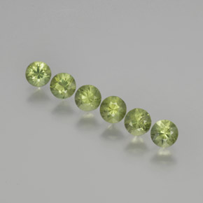 Medium Green Zafiro Gema - 0.3ct Corte Diamante (ID: 369103)