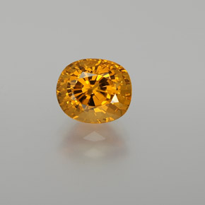 2.30 ct Oval Facet Yellow Golden Sapphire Gemstone 7.86 mm x 6.7 mm (Product ID: 371486)