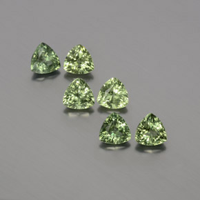 Green Sapphire Gem - 0.3ct Trillion Facet (ID: 372875)