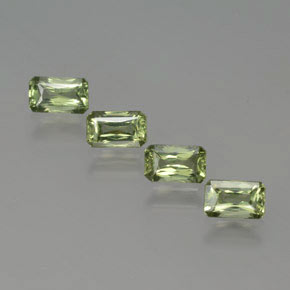 Light Green Sapphire Gem - 0.4ct Octagon / Scissor Cut (ID: 375031)