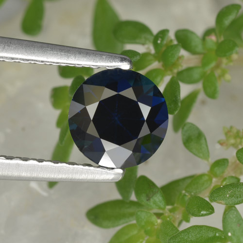 Blue Sapphire Gem - 0.8ct Diamond-Cut (ID: 449802)