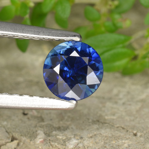Buy 0.61 ct Blue Sapphire 5.07 mm  from GemSelect (Product ID: 449822)