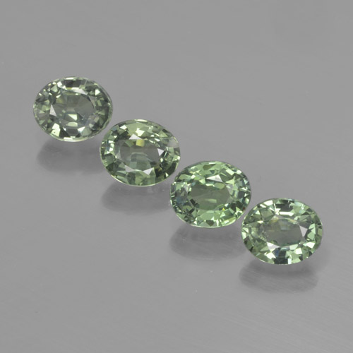 Light Forest Green Zaffiro Gem - 0.8ct Ovale sfaccettato (ID: 462540)