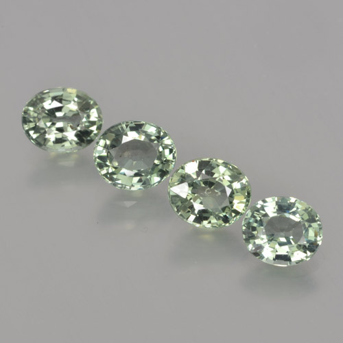 Green Sapphire Gem - 0.9ct Oval Facet (ID: 462803)