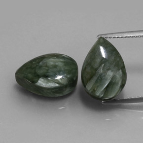 Medium Green Seraphinite Gem - 6.1ct Pear Cabochon (ID: 333662)