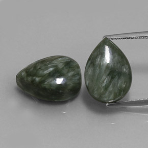 Green Seraphinite Gem - 6.3ct Pear Cabochon (ID: 333665)