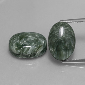 Green Seraphinite Gem - 6.8ct Oval Cabochon (ID: 336097)