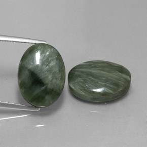 Medium Green Seraphinite Gem - 9.1ct Oval Cabochon (ID: 341736)