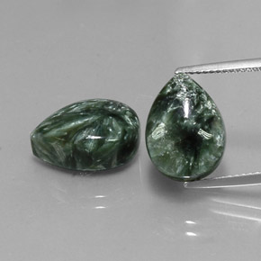 Green Seraphinite Gem - 6ct Pear Cabochon (ID: 341754)