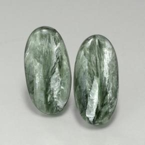 Green Seraphinite Gem - 6.4ct Oval Cabochon (ID: 502883)