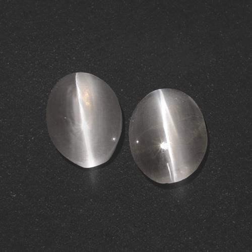 Very Light Grey Sillimanite effetto occhio di gatto Gem - 1.3ct Ovale cabochon (ID: 410063)