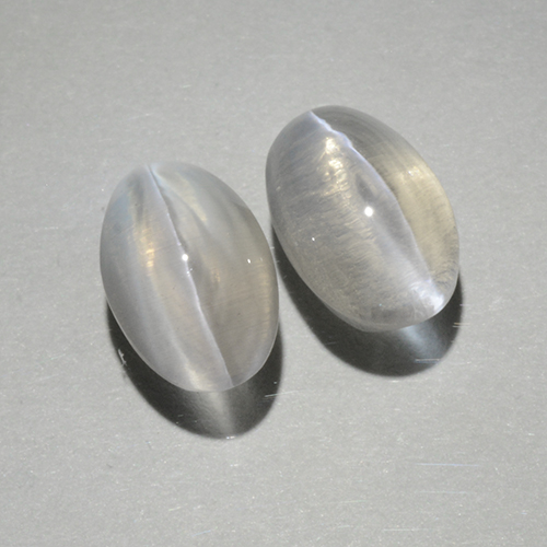 Warm White Sillimanite Cat's Eye Gem - 1.1ct Oval Cabochon (ID: 499414)
