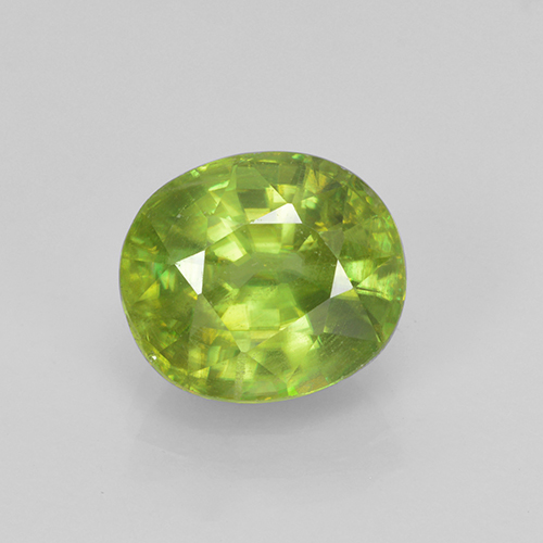 Bright Green Sphene Gem - 2.1ct Oval Facet (ID: 467959)