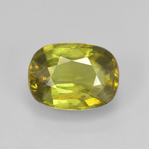 Warm Forest Green Esfena Gema - 2.7ct Forma ovalada (ID: 467962)