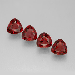 Buy 2.05 ct Red Spinel 5.07 mm x 5.1 mm from GemSelect (Product ID: 286162)