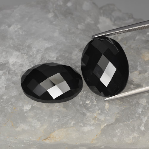 Schorl Spinel Gem - 11.6ct Oval Rose-Cut (ID: 426615)