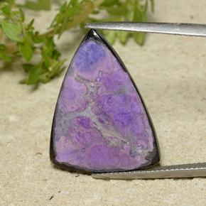 14.82 ct Trilliant Cabochon Medium Violet Sugilit Edelstein 24.75 mm x 19.4 mm (Product ID: 497839)