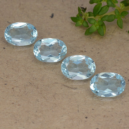 Sky Blue Topaz Gem - 0.9ct Oval Facet (ID: 490112)