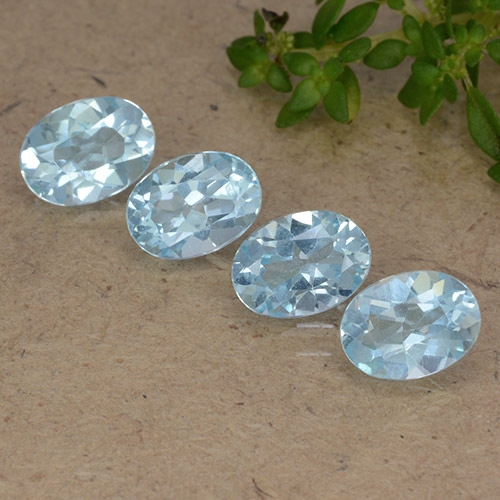 Sky Blue Topaz Gem - 0.9ct Oval Facet (ID: 490116)