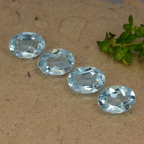 Sky Blue Topaz Gem - 0.9ct Oval Facet (ID: 490203)