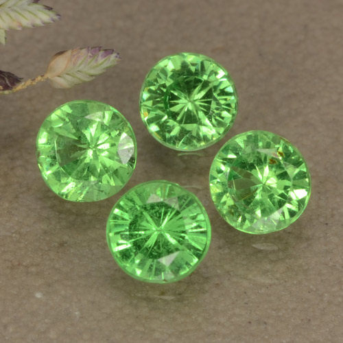 Green Tsavorite Garnet Gem - 0.2ct Diamond-Cut (ID: 473645)