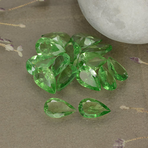 Lively Green Tsavorite Garnet Gem - 0.2ct Pear Facet (ID: 481915)