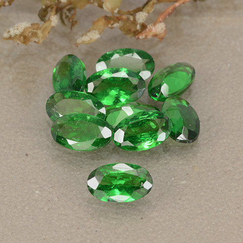 0.2ct Oval Facet Medium Green Tsavorite Garnet Gem (ID: 484882)