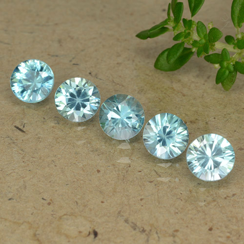 Blue Zircon Gem - 0.6ct Diamond-Cut (ID: 489789)