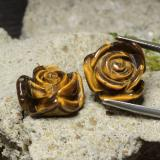 thumb image of 25.2ct Carved Rose with Half Drilled Hole Gold Brown Tiger's Eye (ID: 323302)